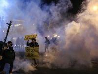 ABD polisinden biber gazı ve gaz bombalı müdahale