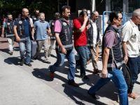 İzmir merkezli FETÖ operasyonunda 7 tutuklama