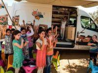 Gazzeli çocuklara gezici kütüphane hizmeti