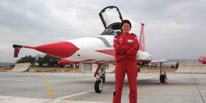 Türk Yıldızları'nın ilk kadın komutanı