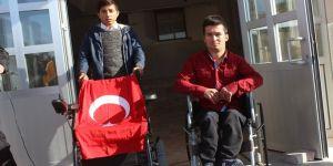 Müge Anlı engelli öğrenciye akülü araç gönderdi