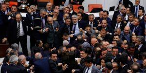 Ak Parti Genel Başkan Yardımcısı Şahin: Bana Yumruk Atan Chp Antalya Milletvekili Kara İdi