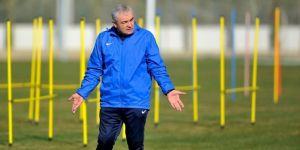Antalyaspor Teknik Direktörü Çalımbay: Hedefimiz Sezonu İlk 10 İçinde Bitirmek