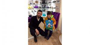 Ali Yanmaz yeğeni Emir'in karne mutluluğunu paylaşmış