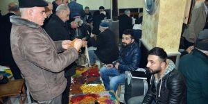 Sur'da Tespihlerini Görücüye Çıkarıyorlar