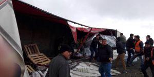 Devrilen Tır Konya Ankara Karayolunu Trafiğe Kapattı