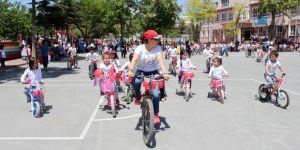 Atatürk İlk Okulunda Bisiklet Şenliği