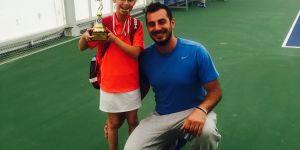 Genç tenisçiden bir ilk