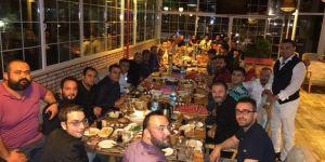 Mehmet Can Aslan  dostlarını sahurda ağırladı