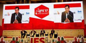 Altunyaldız İstanbul Finans Zirvesine katıldı