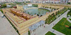 Konya Büyükşehir Belediyesi, eserlere isim arıyor