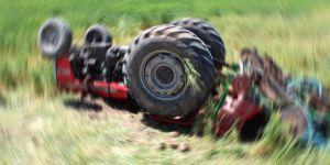 Anne Oğlunun Kullandığı Traktörün Altında Kaldı