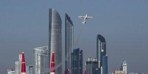 Red Bull Air Race'de Goulian sürprizi
