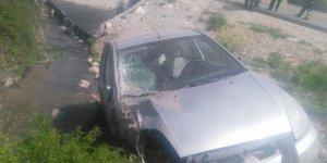 Otomobil kanala düştü: 1 yaralı