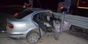 Konya'da Otomobil Bariyere Çarptı: 1 Ölü, 1 Yaralı