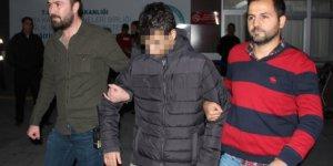Bıçakla soygun girişiminde bulunan genç vatandaşlardan kaçamadı