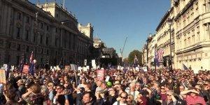 Londra'da Yüzbinler Yeni Brexit Referandumu İçin Yürüdü