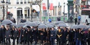 Cumhurbaşkanı Erdoğan Paris'te  Liderler böyle yürüdü!