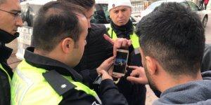 Tek teker üstünde 148 km hızla polis aracının yanından geçti, cezadan kaçamadı