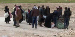 Sivil halk Münbiç'i terk ediyor