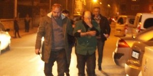 Kamyonet çalan şüpheliler polis baskınında çekyatta saklanırken yakalandı