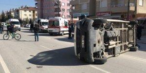 Konya'da Öğrenci Servisi İle Otomobil Çarpıştı: 7 Yaralı