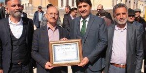 Derbent'te toplu konutlar ailelere teslim edildi