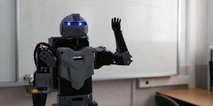 Liseliler İnsansı Robot Yaptı