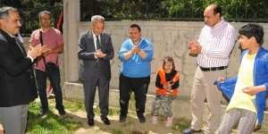 Akşehir'de engelli çocuklar fidan dikti