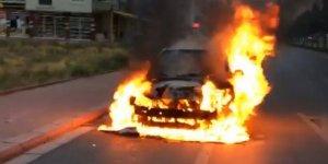 Selçuklu'da otomobil alev alev yandı