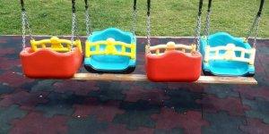 Meram'da parklara zarar veriliyor!