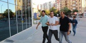 İki bavul altınla kaçtığı iddia edilen sarraf ve kız arkadaşı tutuklandı