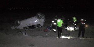 Otomobil tarlaya uçtu: 1'i bebek 5 yaralı