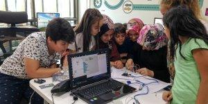 Geleceğin robotik kodlama ustaları Meram'da yetişiyor