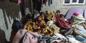Sağanak Yağış Tarım İşçilerinin Çadırlarını Sular Altında Bıraktı