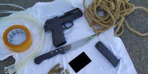 Karısını Öldüreceği İhbar Edilen Zanlı Tabanca, Bıçak Ve Kelepçeyle Yakalandı
