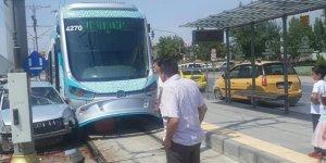 Kaza tramvay seferlerini aksattı