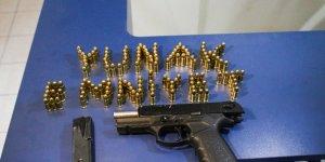 Polis uygulamasında silah ve mermi ele geçirildi