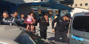 Çocuklarını sokağa terk eden anne baba adli kontrolle serbest