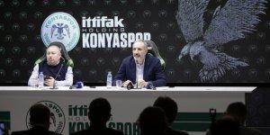 """Konyaspor Kulübü Başkanı Hilmi Kulluk: """"Ben Mi Çıkıp Oynayacağım"""""""