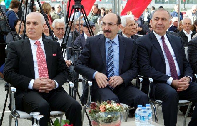 """Bursa'da """"Atatürk anıtı"""" açıldı"""