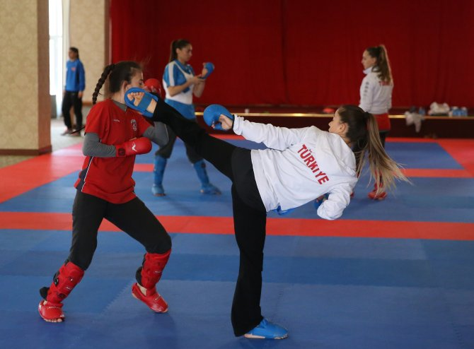 Kadınlar Karate Milli Takımı, altın madalyaya kilitlendi
