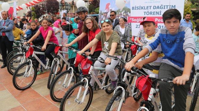 Edirne'de 500 öğrenciye bisiklet dağıtıldı