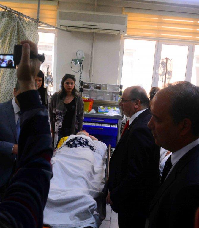 Hasta taşıyan ambulans kaza yaptı: 1 ölü, 2 yaralı