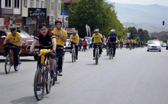 """Bisikletçilerden """"Trafikte Biz de Varız"""" etkinliği"""
