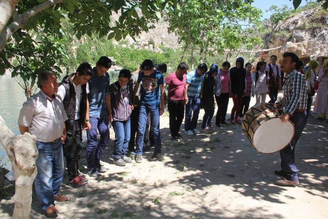 Polisin şefkat eli öğrencileri terörden uzak tutuyor