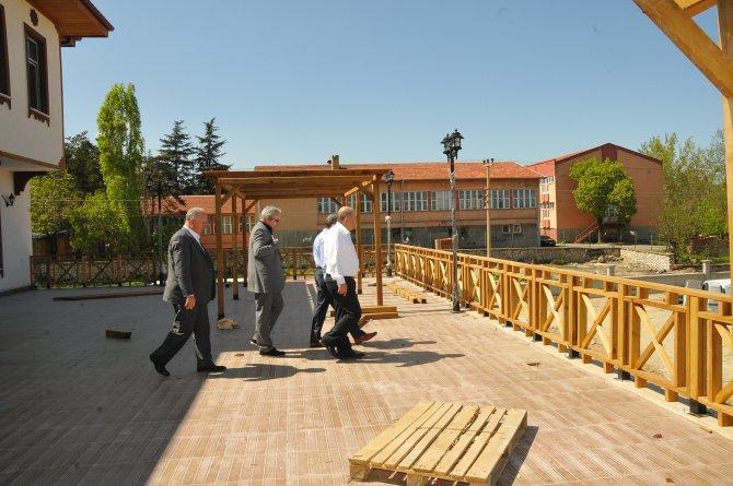 AK Parti Konya Milletvekili Baloğlu, hanımlar lokali inşaatını gezdi