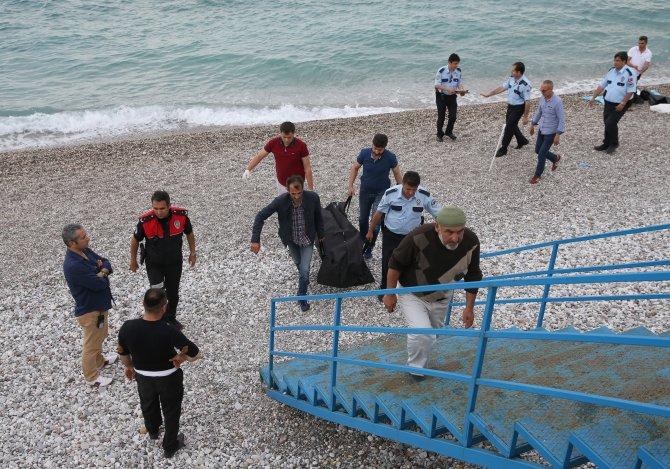 Antalya'da denizde erkek cesedi bulundu