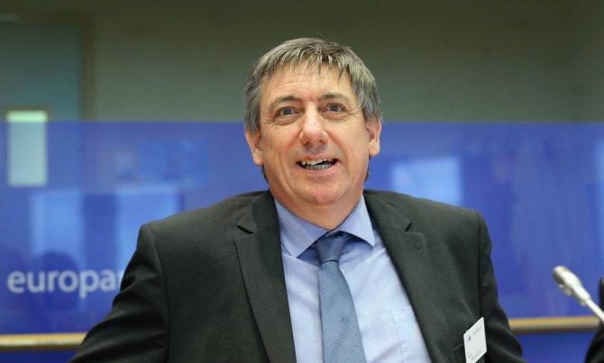 Belçika İçişleri Bakanı Jambon'dan geri adım