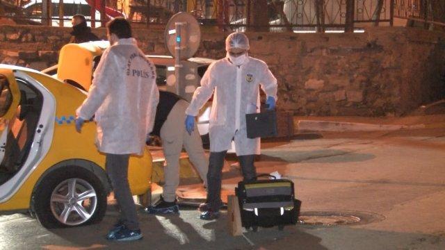 Gaziosmanpaşa'da ticari taksiye binen silahlı 3 şahıs ile bekçiler arasında kovalamaca